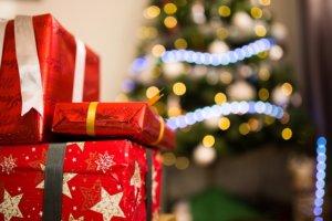 Vánoční dárek (maxpixel.net)