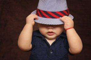 Rodiče ročního chlapečka ocení i vhodně vybrané oblečení (pixabay.com)