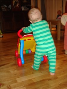 Aktivní chodítko pro malé dítě