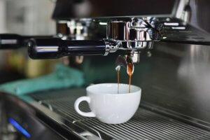 Kávovar je skvělý dárek pro tchyni