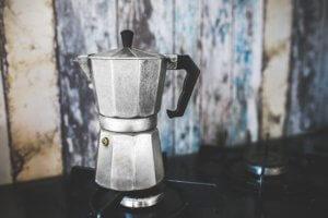 Malý kávovar je skvělý dárek pro kamioňáka