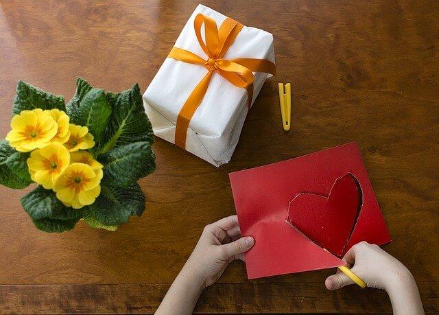 Jaký dárek vyrobit pro maminku